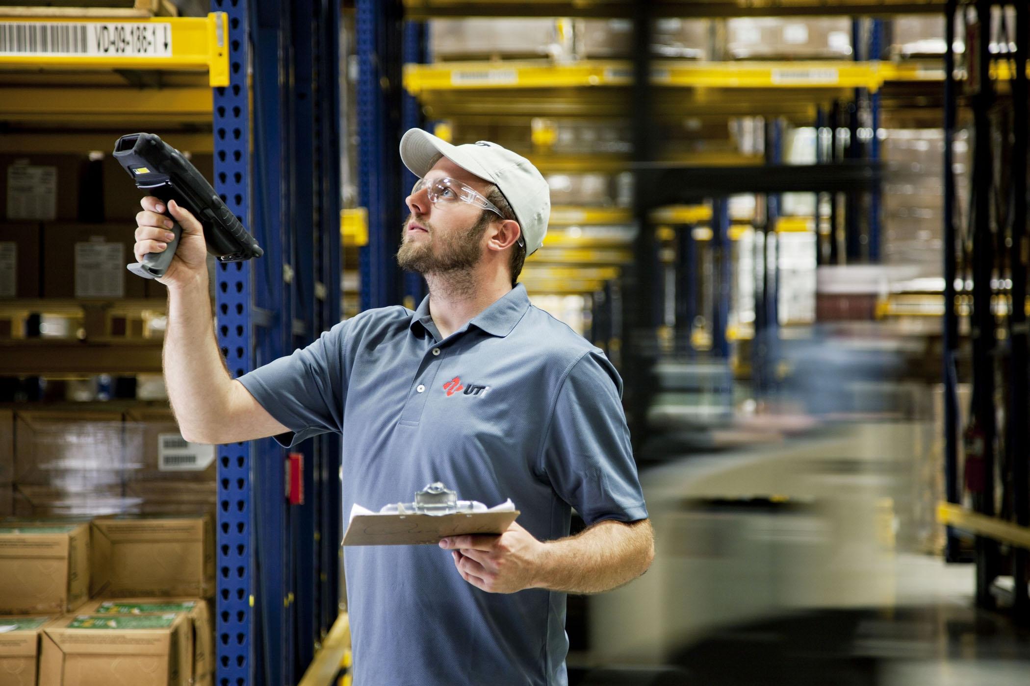 Posso efetuar a gestão dos estoques dos meus fornecedores?
