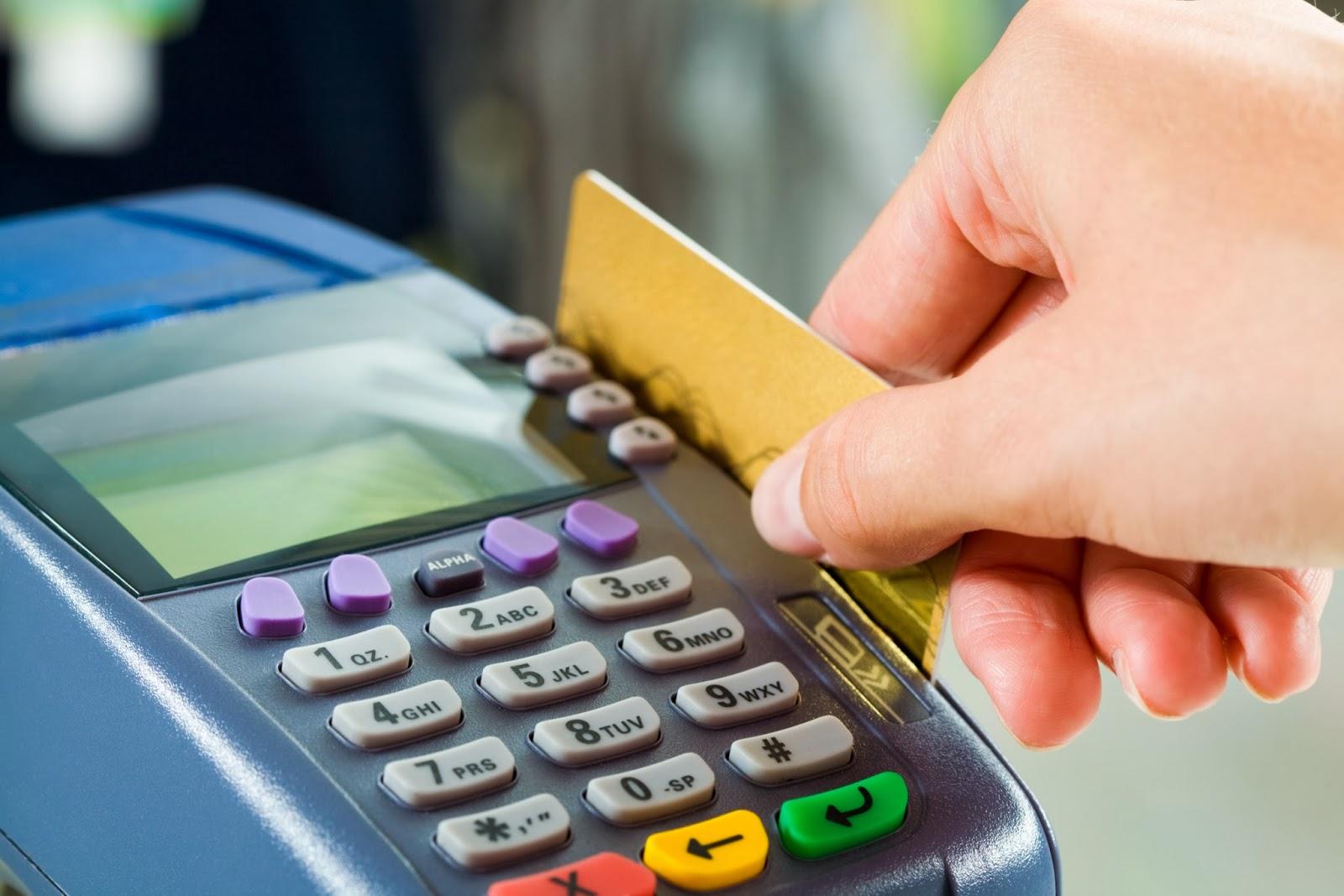 Cartão de débito e crédito: faça a gestão adequada das vendas e evite surpresas no orçamento