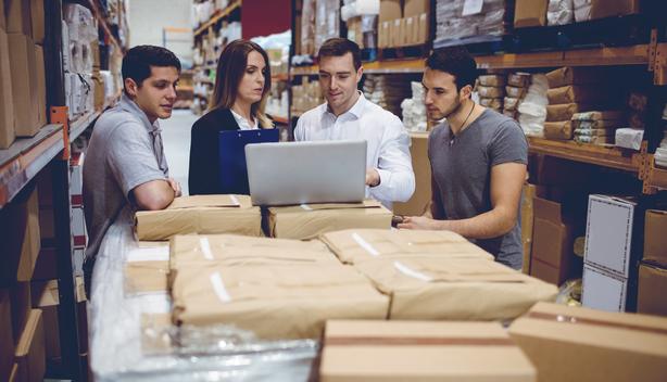 Gestão de empresa com software que reduz custos operacionais