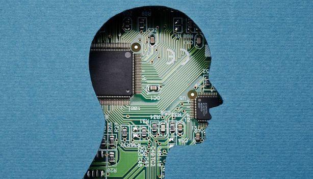 montagem de cabeça humana na frente com placa de computador atrás
