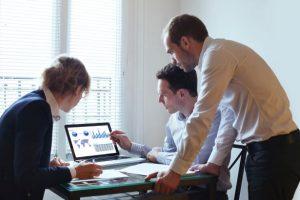 Qual a importância do business intelligence para a indústria e o varejo?